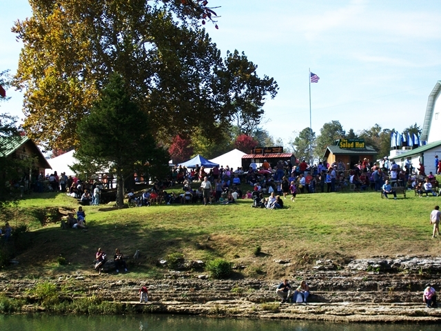 War Eagle Mill Craft Fair aStay at Cute Little Cottage Rogers AR.